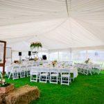 Аренда стульев для свадьбы в шатре