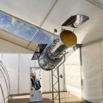 Прозрачный потолок тента «Мультифлекс» позволяет добиться хорошего освещения выставки «Kids on the Moon»