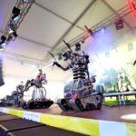 Выступление рок-группы роботов в тенте Унифлекс