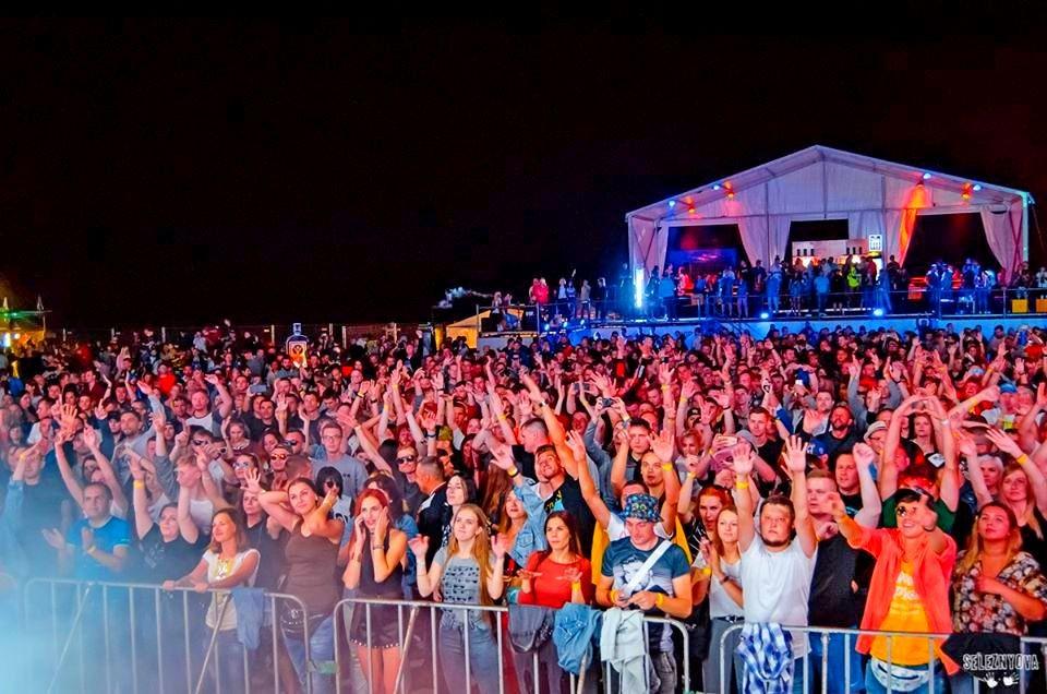 Для «Zound Festival» встановили тент «Ультра» 15х5 метрів