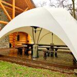 Круглый шатер «Орбит» поставили в охотничьих угодьях неподалеку от Десны
